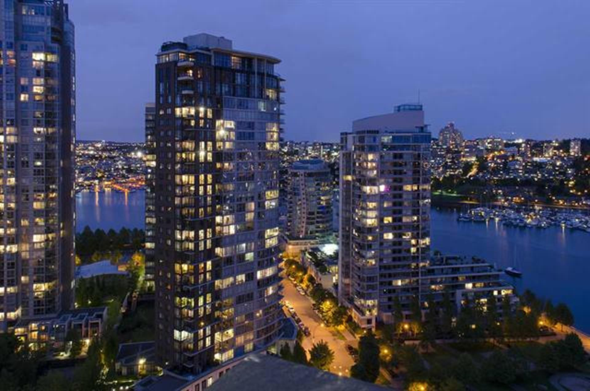 262087171-16 at 2806 - 583 Beach Crescent, Yaletown, Vancouver West