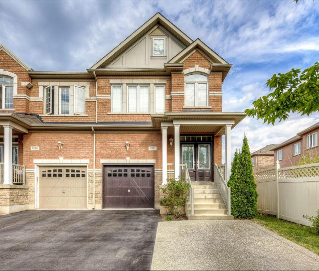 1291 Jazero Crescent, Iroquois Ridge North, Oakville 2