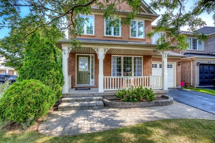 1-103 at  Glenrose Crescent, West Oak Trails, Oakville