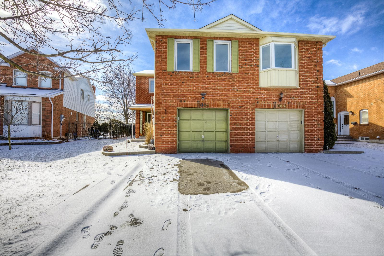 Glenada Crescent, Iroquois Ridge North, Oakville 2