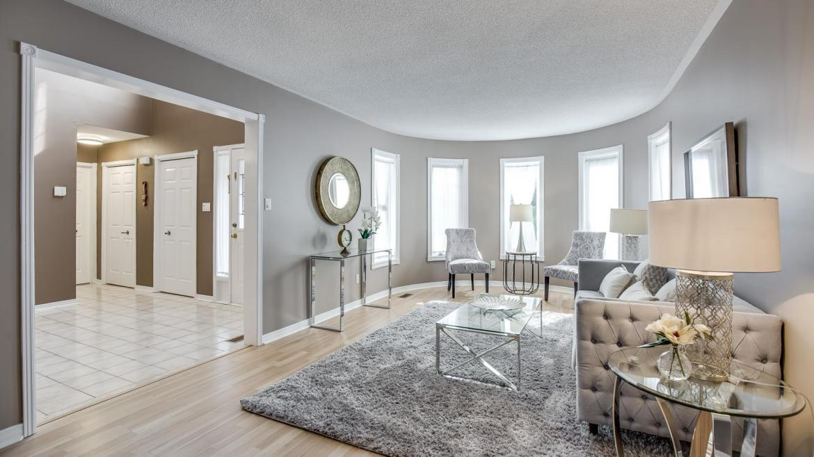 Winterbourne Drive, Clearview, Oakville