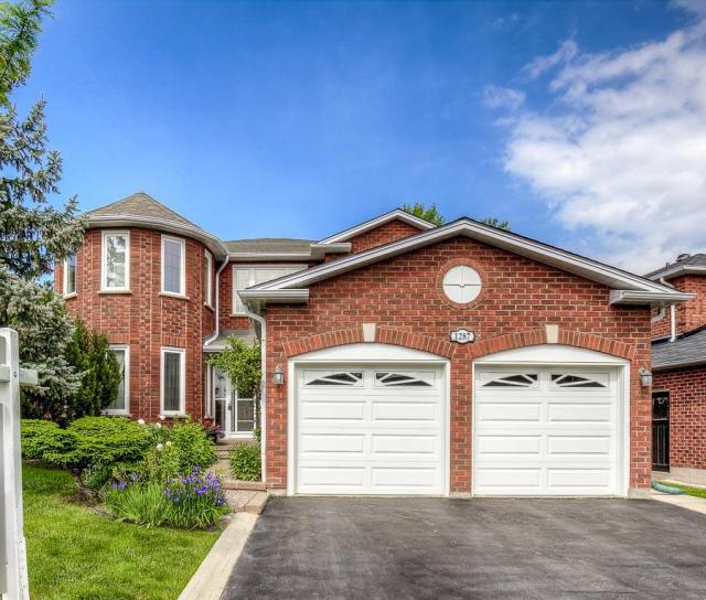 Winterbourne Drive, Clearview, Oakville 2