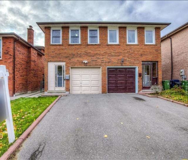 33 Lord Sydenham Court, L\'Amoreaux, Toronto 2