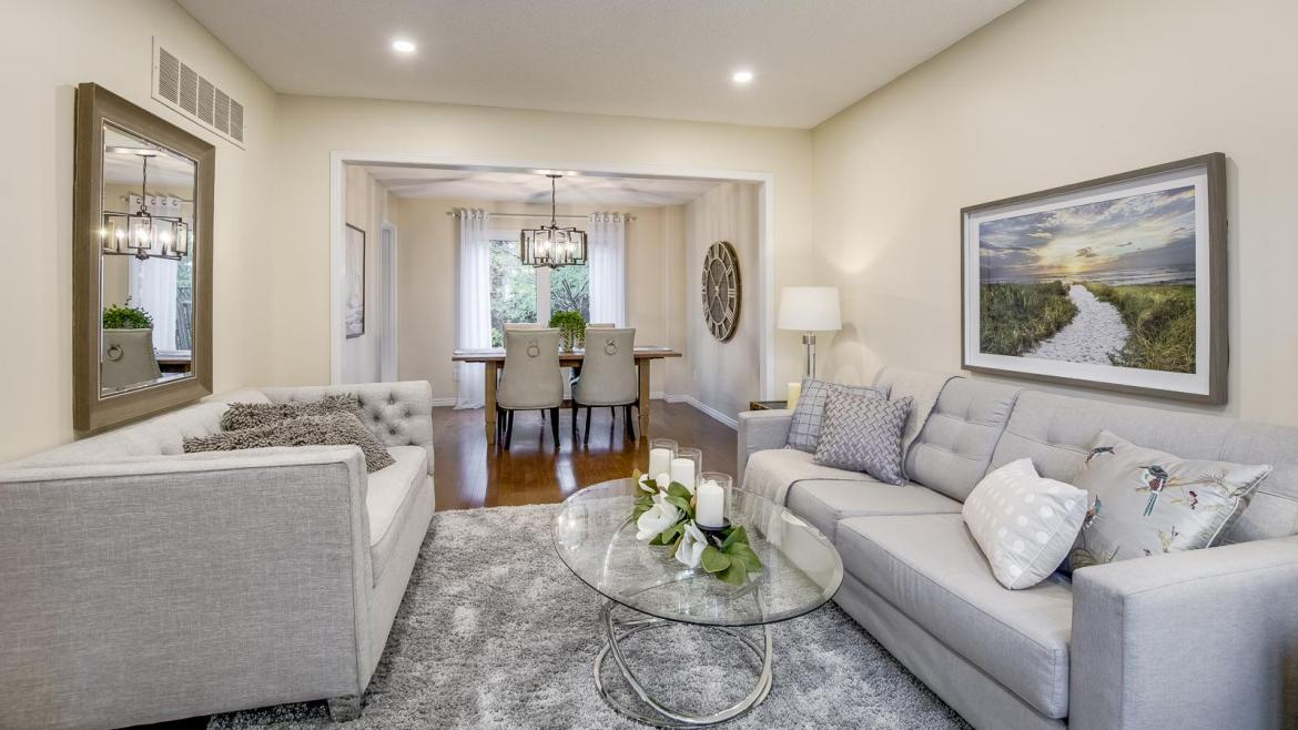 Heathfield Crescent, Glen Abbey, Oakville