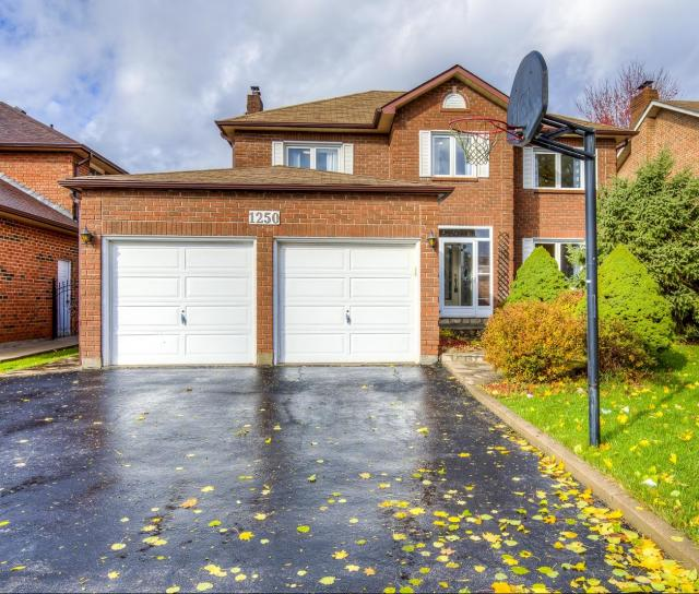 Heathfield Crescent, Glen Abbey, Oakville 2