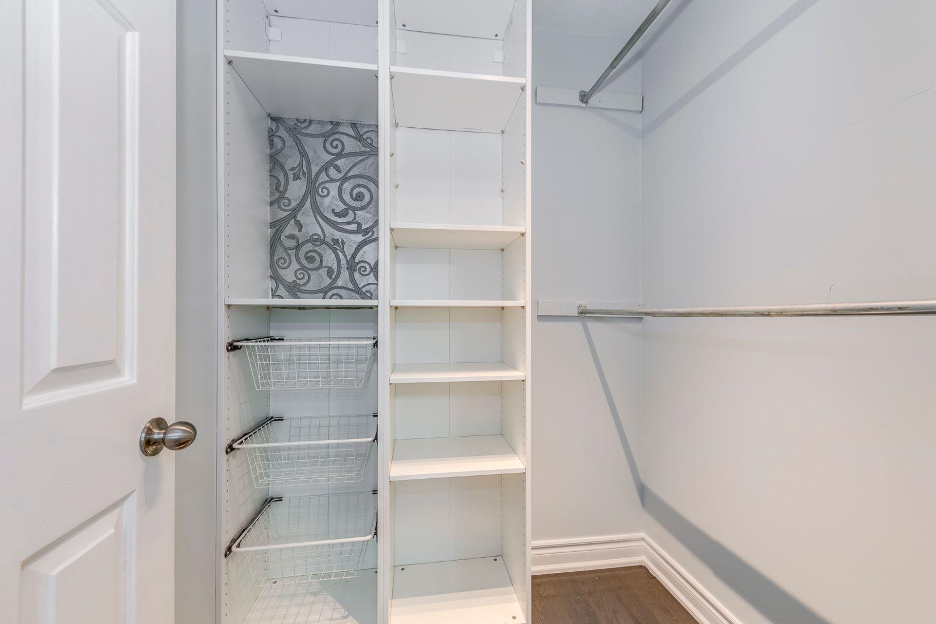 4th Bedroom Closet - 2180 Dunvegan Ave, Oakville - Elite3 & Team at 2180 Dunvegan Avenue, Eastlake, Oakville