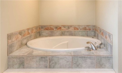 Master Ensuite at 5799 Tayside Crescent, Central Erin Mills, Mississauga