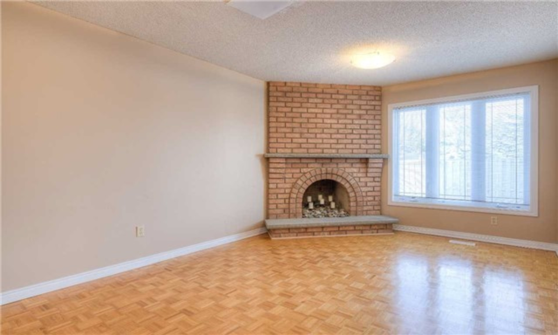 Family Room at 5799 Tayside Crescent, Central Erin Mills, Mississauga