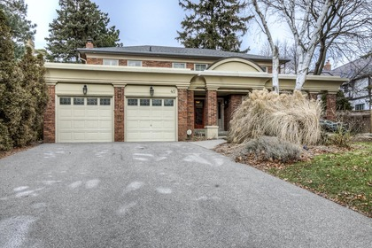 1-16 at 45 Kingsford Place, Eastlake, Oakville