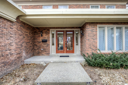 1-21 at 45 Kingsford Place, Eastlake, Oakville