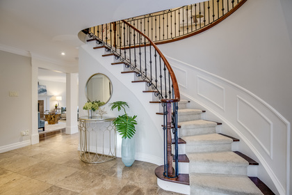 1-56 at 45 Kingsford Place, Eastlake, Oakville
