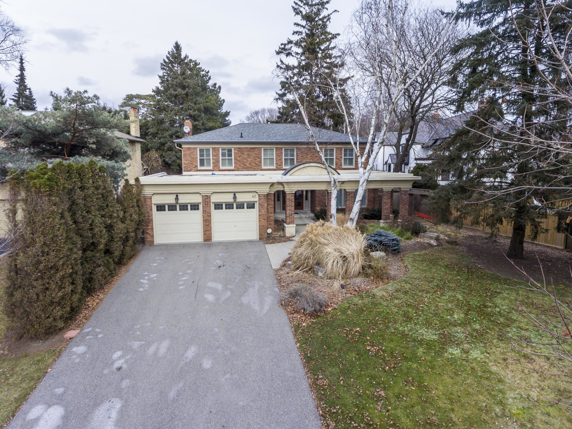 1-1 at 45 Kingsford Place, Eastlake, Oakville
