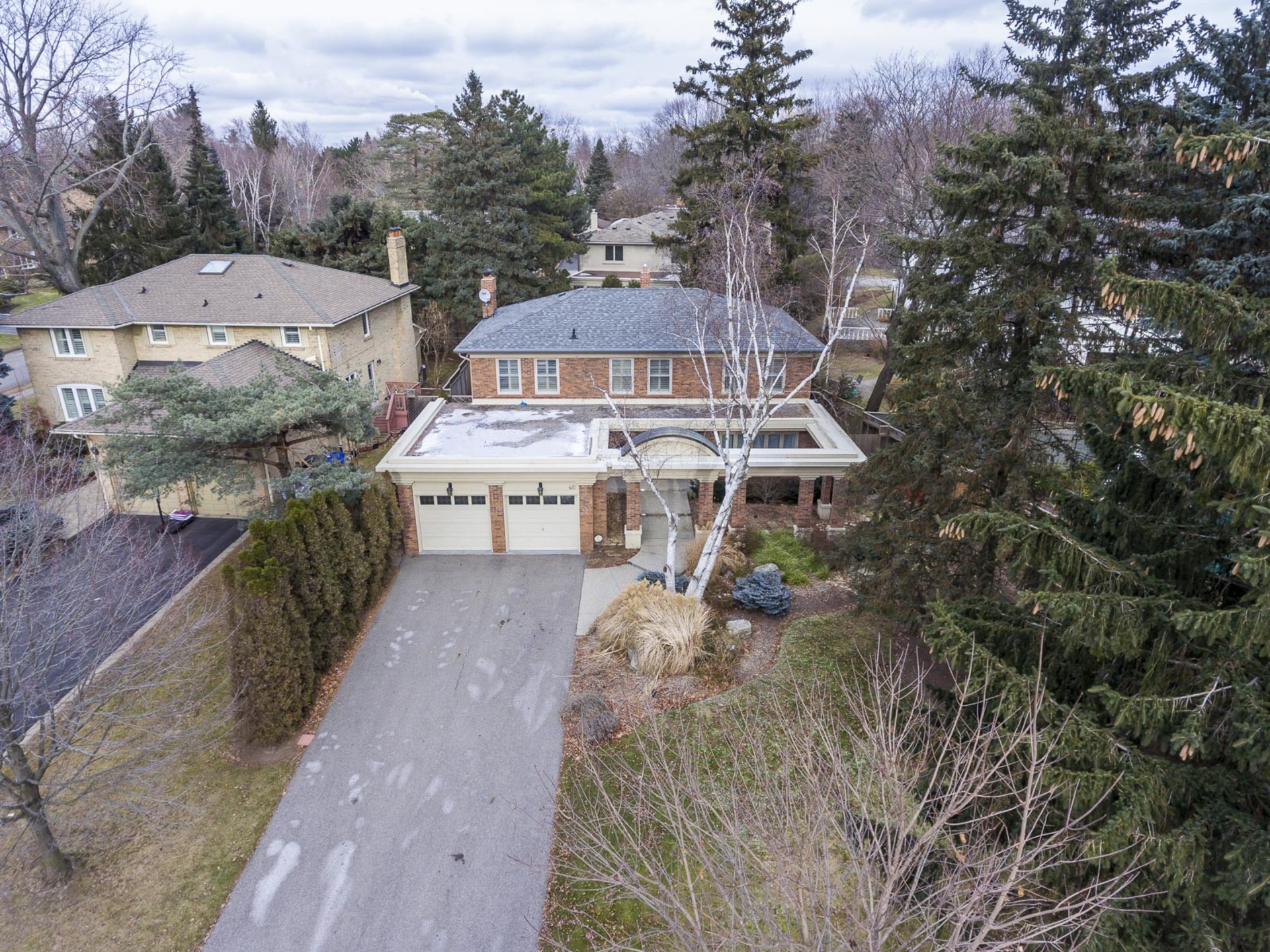 1-2 at 45 Kingsford Place, Eastlake, Oakville