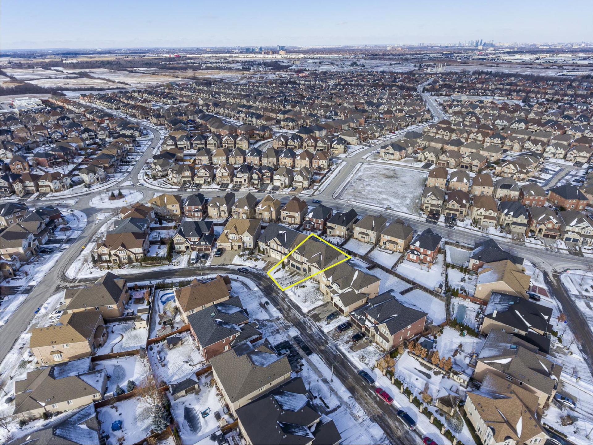 1-14-01 at 2353 Delnice Drive, Iroquois Ridge North, Oakville