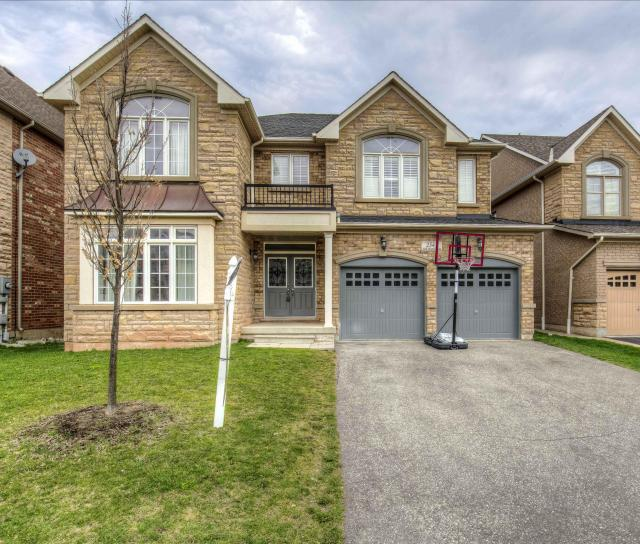 Hall Manor Drive, Iroquois Ridge North, Oakville 2