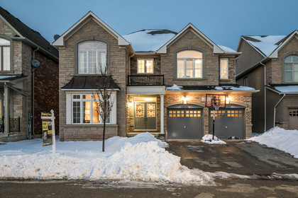 1-1 at 2345 Hall Manor Drive, Iroquois Ridge North, Oakville
