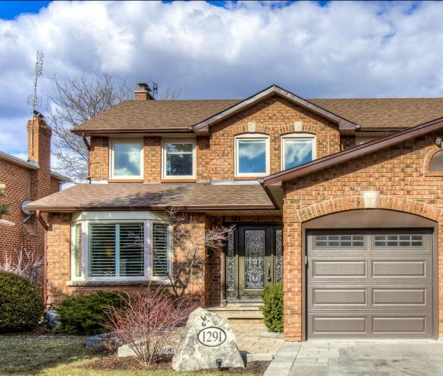 Springwood Crescent, Glen Abbey, Oakville 2