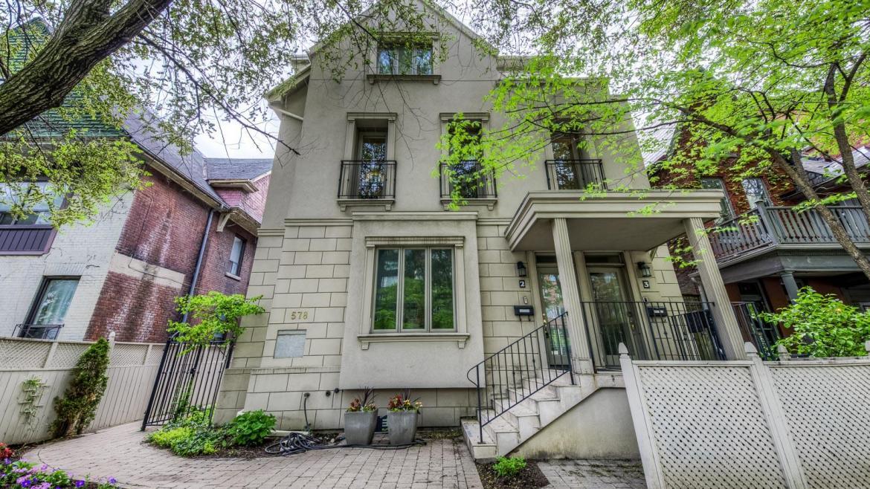 Spadina Avenue, University, Toronto