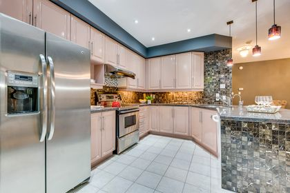 Kitchen - 12-2254 Rockingham Dr, Oakville at 12 - 2254 Rockingham Drive, Iroquois Ridge North, Oakville