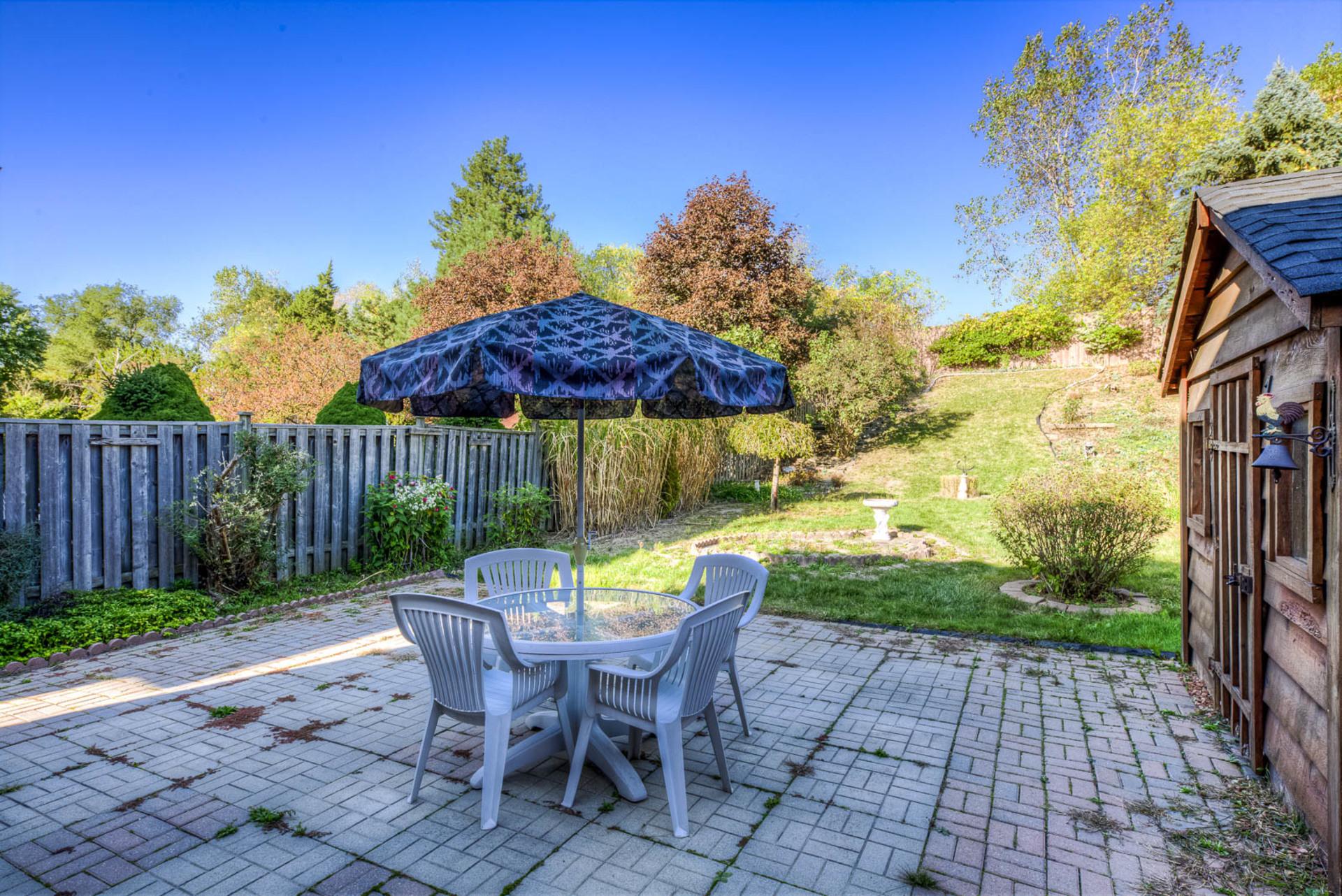 Backyard - 4230 Credit Pointe Drive, Mississauga - Elite3 & Team at 4230 Credit Pointe Drive, East Credit, Mississauga