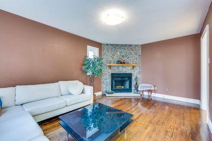 Family Room - 1522 Estes Cres, Mississauga - Elite3 & Team at 1522 Estes Crescent, East Credit, Mississauga