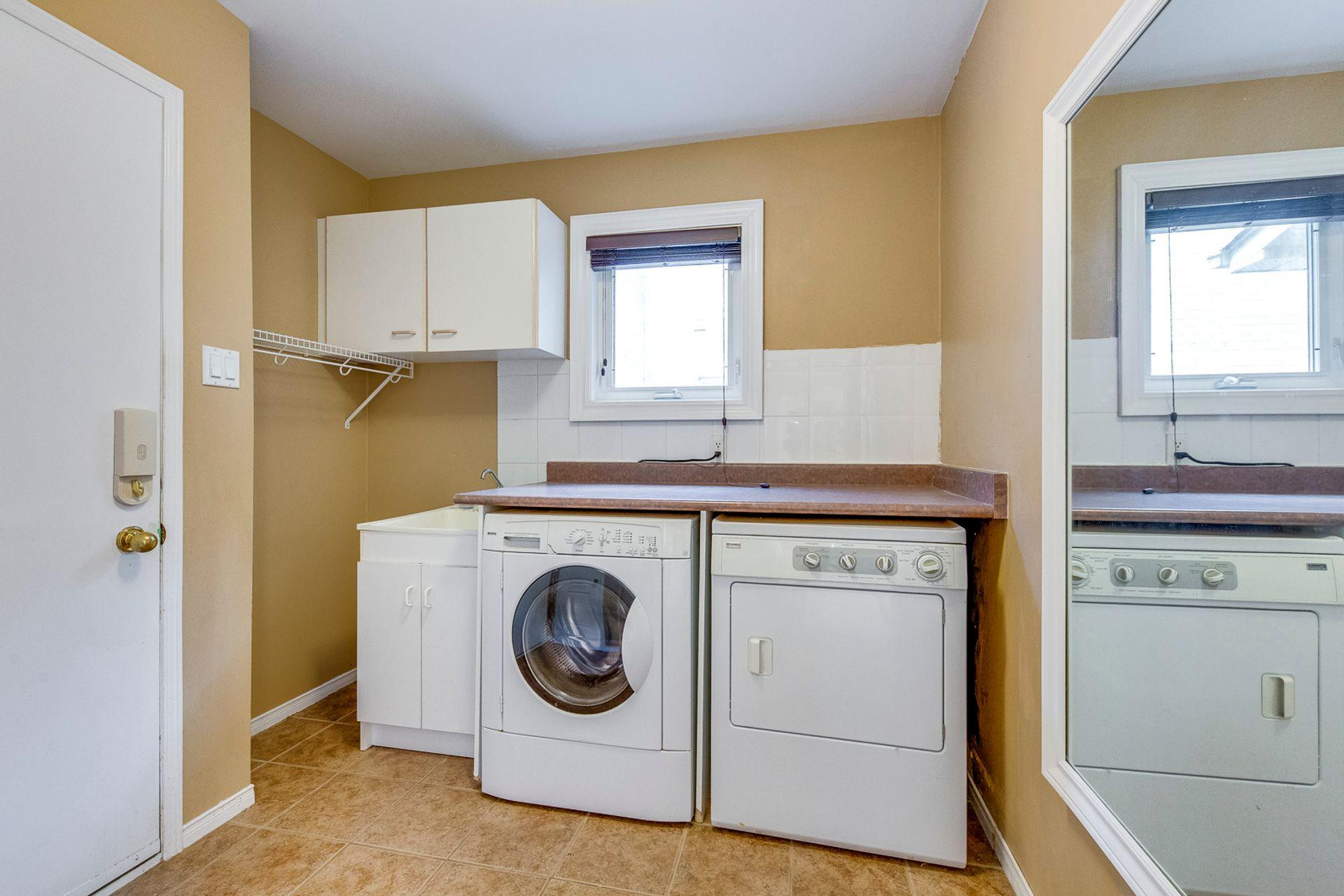 Laundry Room - 1522 Estes Cres, Mississauga - Elite3 & Team at 1522 Estes Crescent, East Credit, Mississauga