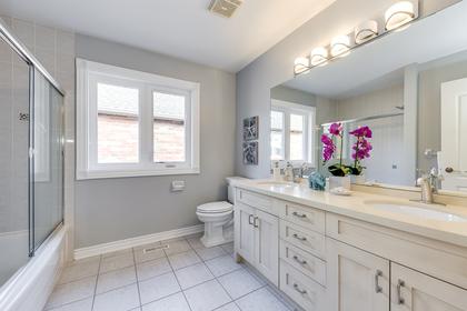 Main Bathroom - 1806 Glenvista Dr, Oakville - Elite3 & Team at  Glenvista Drive, Iroquois Ridge North, Oakville