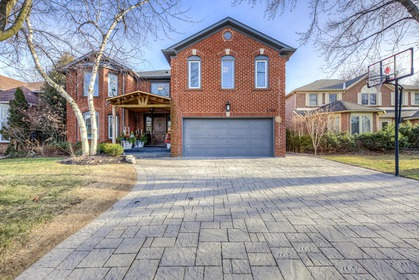 mls-2 at 2204 Dunvegan Avenue, Eastlake, Oakville