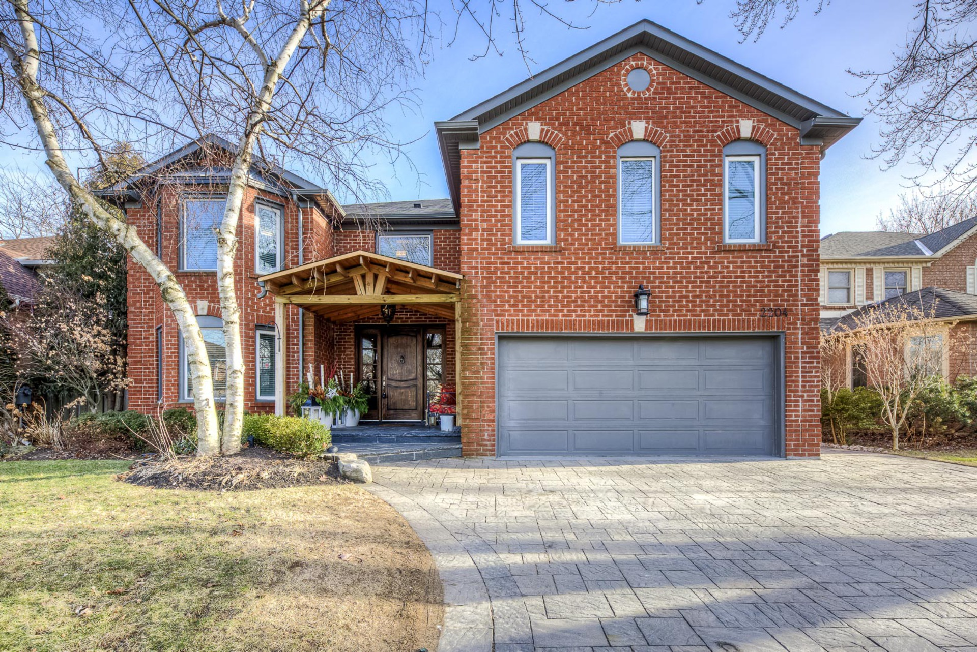 mls-1 at 2204 Dunvegan Avenue, Eastlake, Oakville