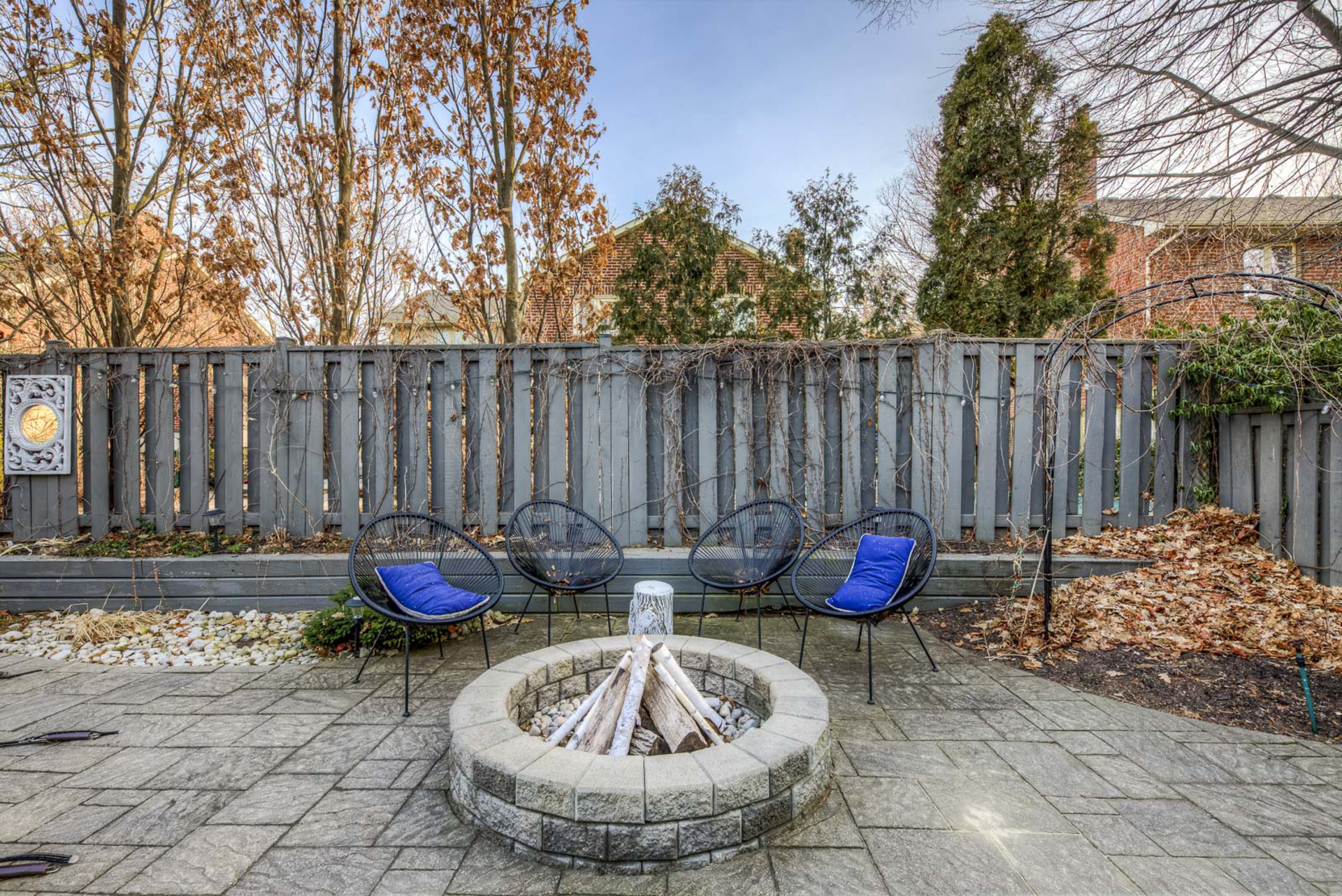 mls-84 at 2204 Dunvegan Avenue, Eastlake, Oakville