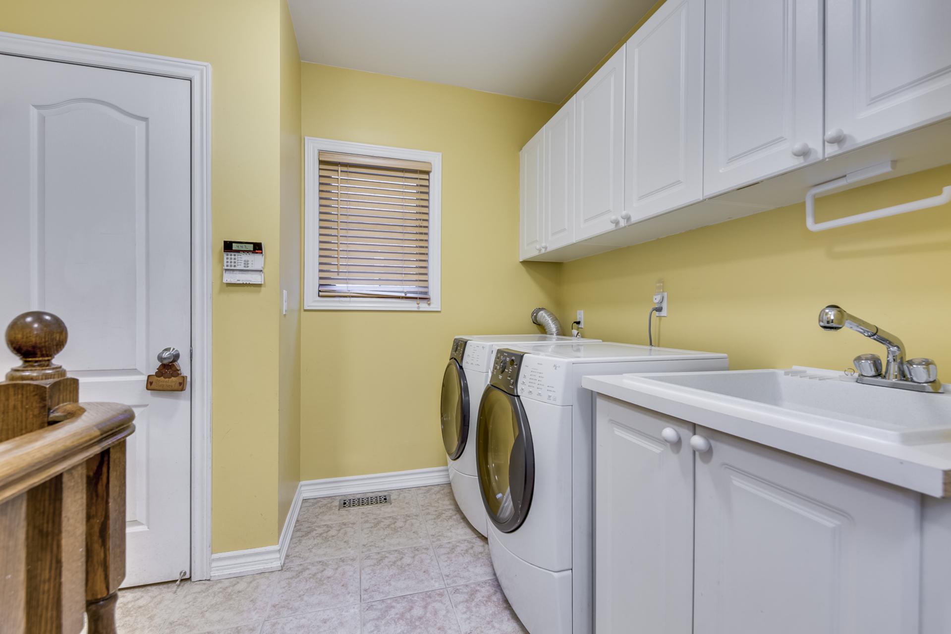 Laundry Room - 2395 Tesla Crescent, Oakville - Elite3 & Team at 2395 Tesla Crescent, Iroquois Ridge North, Oakville