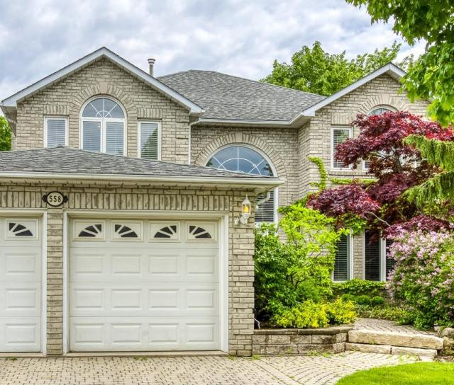 558 Blenheim Crescent, Oakville 2