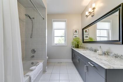 Main Bathroom - 1276 Kestell Blvd, Oakville - Elite3 & Team at 1276 Kestell Boulevard, Iroquois Ridge North, Oakville