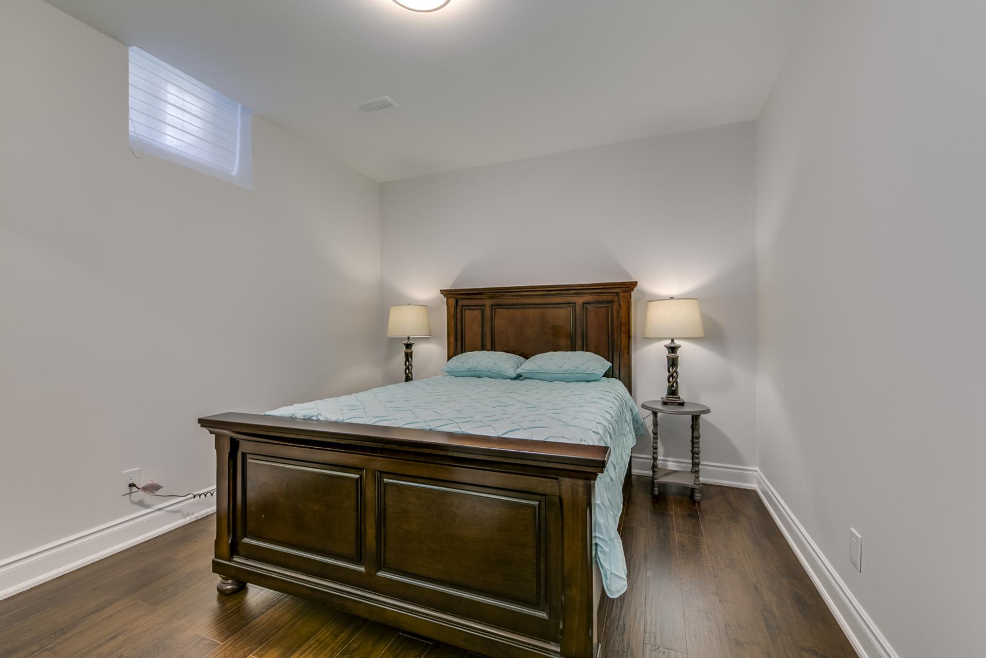 Guest Bedroom - 1276 Kestell Blvd, Oakville - Elite3 & Team at 1276 Kestell Boulevard, Iroquois Ridge North, Oakville