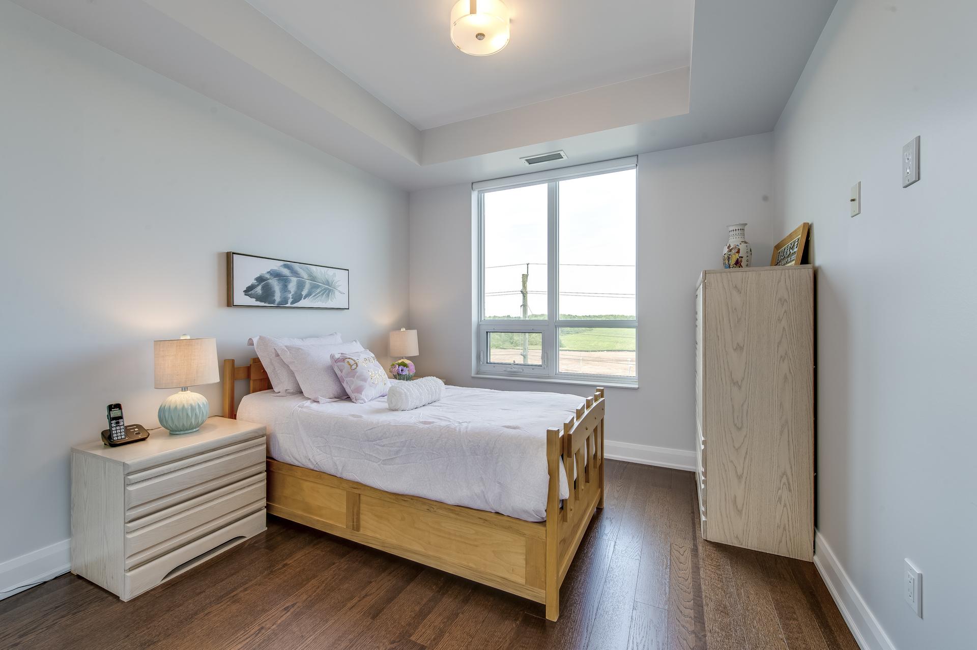 Master Bedroom - 514-2480 Price Michael Dr, Oakville - Elite3 & Team at 514 - 2480 Prince Michael Drive, Iroquois Ridge North, Oakville
