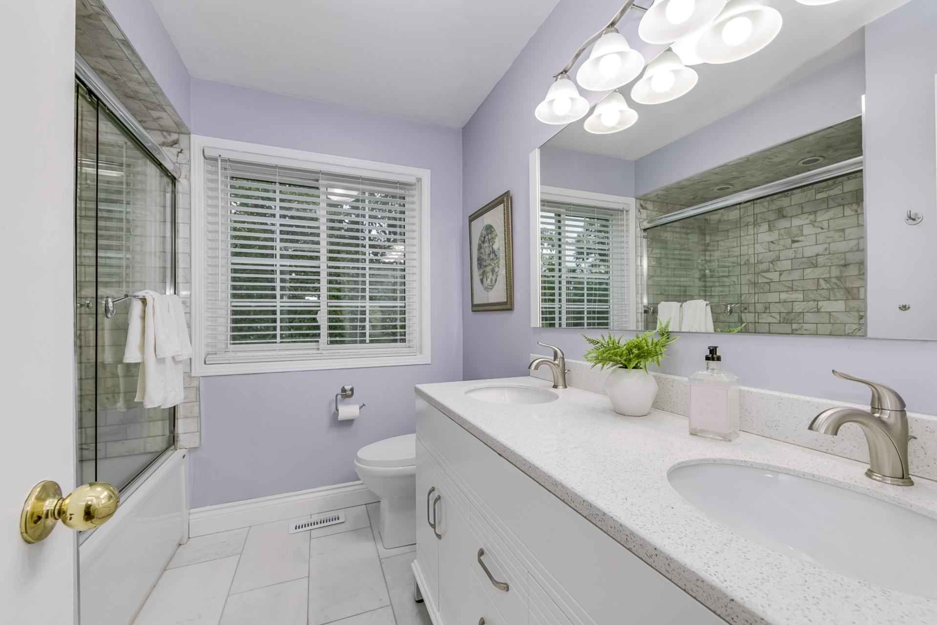 Main Bathroom - 2407 Stefi Tr, Oakville - Elite3 & Team at 2407 Stefi Trail, River Oaks, Oakville