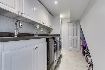 Laundry Room - 2473 Eighth Line, Oakville - Elite3 & Team at 2473 Eighth Line, Iroquois Ridge North, Oakville