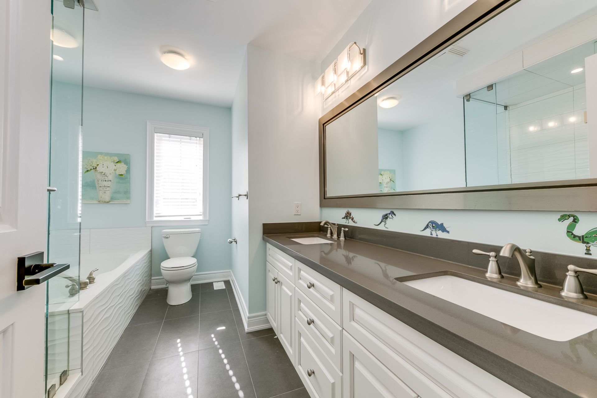 2nd Floor Main Bathroom - 2473 Eighth Line, Oakville - Elite3 & Team at 2473 Eighth Line, Iroquois Ridge North, Oakville
