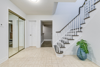 mls-7 at 4246 Wakefield Crescent, Creditview, Mississauga