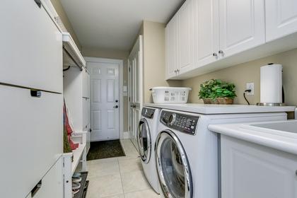 Laundry Room - 2415 Lyndhurst Dr, Oakville - Elite3 & Team at 2415 Lyndhurst Drive, Iroquois Ridge North, Oakville