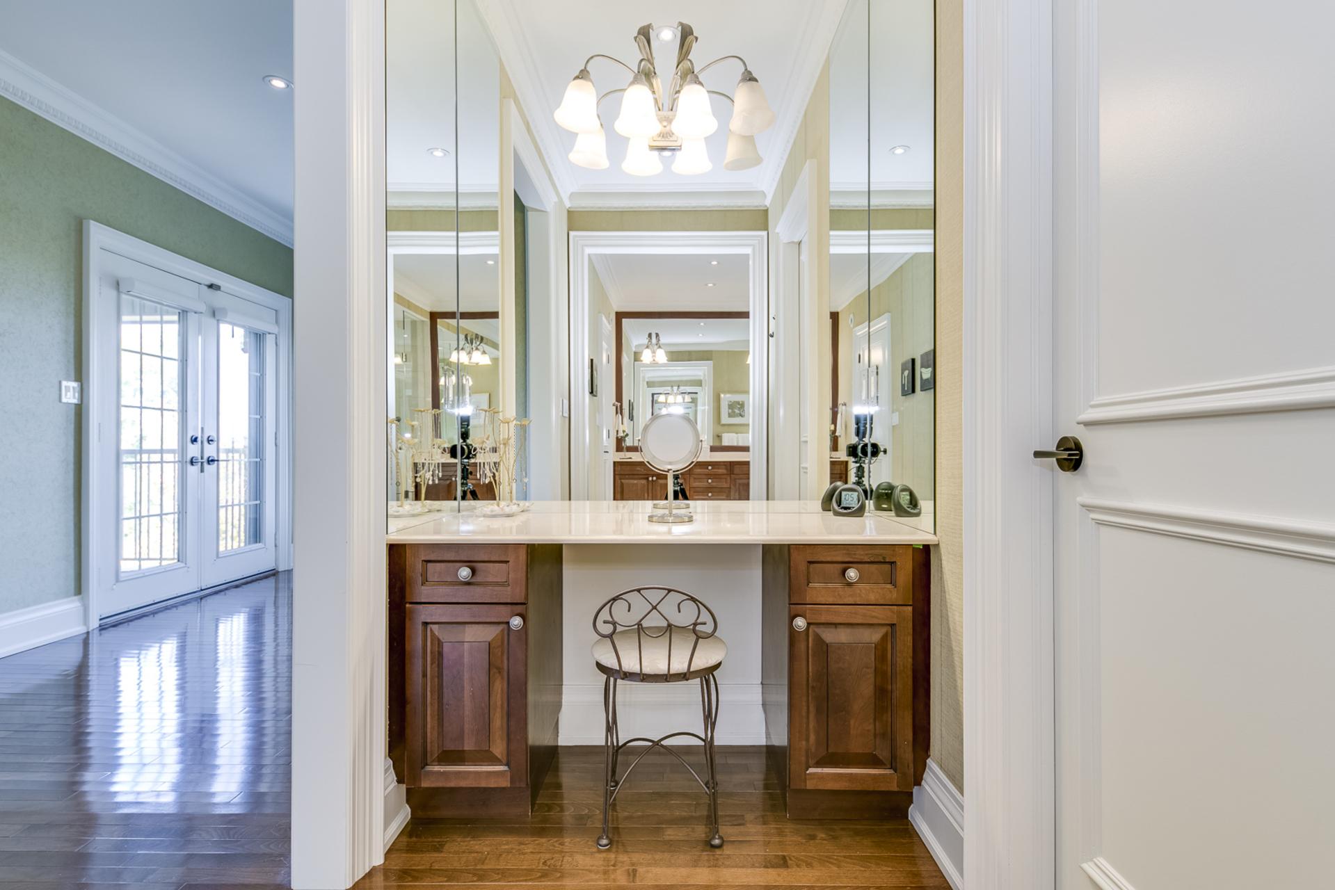 Master Bedroom Makeup Area - 2415 Lyndhurst Dr, Oakville - Elite3 & Team at 2415 Lyndhurst Drive, Iroquois Ridge North, Oakville