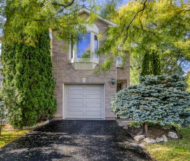 1308 Valerie Crescent, Clearview, Oakville 2