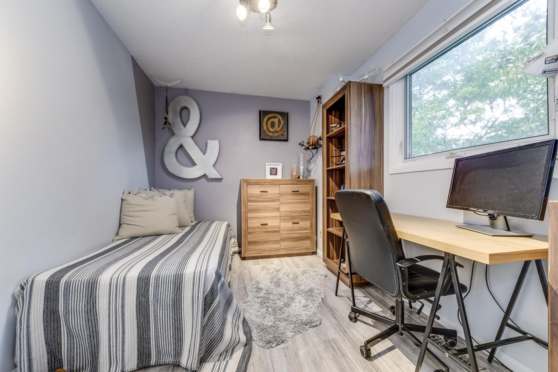 3rd Bedroom - 1308 Valerie Cres, Oakville - Elite3 & Team at 1308 Valerie Crescent, Clearview, Oakville