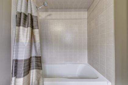 Jack & Jill Bathroom 2 - 2460 Bon Echo Dr, Oakville - Elite3 & Team at 2460 Bon Echo Drive, Iroquois Ridge North, Oakville