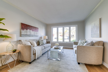Living Room - 1509 Clearview Dr, Oakville - Elite3 & Team at 1509 Clearview Drive, Clearview, Oakville