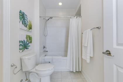 Jack & Jill Bathroom 1 - 95 North Park Blvd, Oakville - Elite3 & Team at 95 North Park Boulevard, Rural Oakville, Oakville
