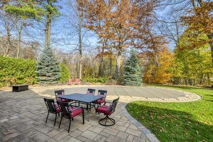 Backyard - 5041 Lakeshore Rd, Burlington - Elite3 & Team at 5041 Lakeshore Road, Appleby, Burlington