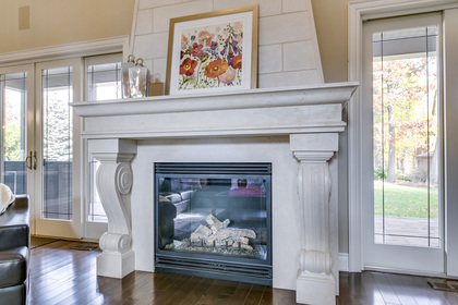 Great Room - 5041 Lakeshore Rd, Burlington - Elite3 & Team at 5041 Lakeshore Road, Appleby, Burlington