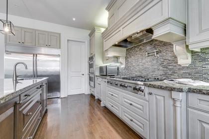 Kitchen - 5041 Lakeshore Rd, Burlington - Elite3 & Team at 5041 Lakeshore Road, Appleby, Burlington