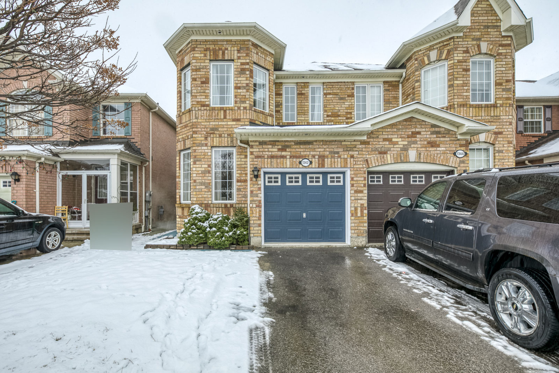 Exterior - 1342 Weir Chase, Mississauga - Elite3 & Team at 1342 Weir Chase, East Credit, Mississauga